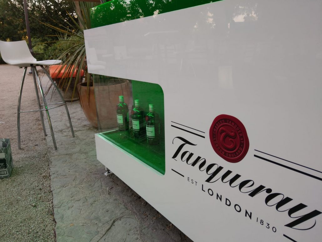 Tanqueray - outdoor promo stand